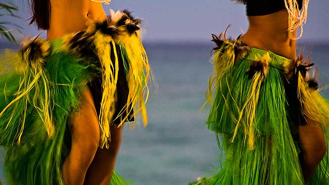 Hula girls shaking their hips