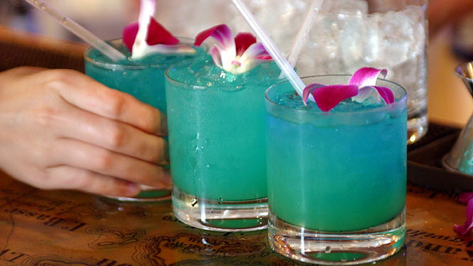 Blue Hawaii tropical drink