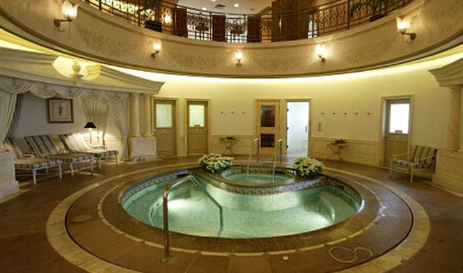 Indoor pool at the Spa Grande, Grand Wailea resort