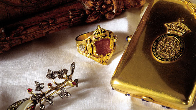 Jewelry from Hawaii's monarchy period