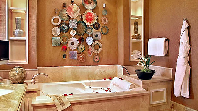 Maile Suite bathroom