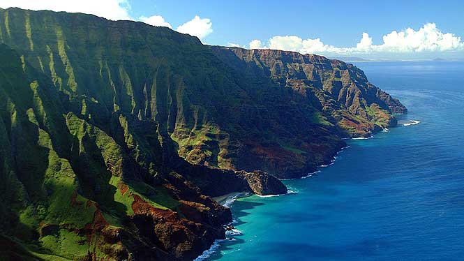 areal view of the Napali coast on Kauai