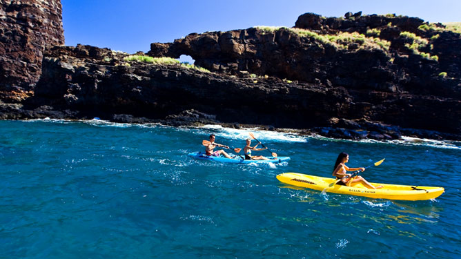 Kayaking in Hulopoe Beach, Lanai