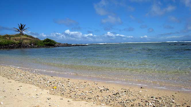 sandy beach aloha hawaii sandy beach 665x374