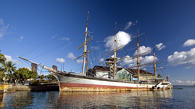 Old ship at the Hawaii Maritime Museum