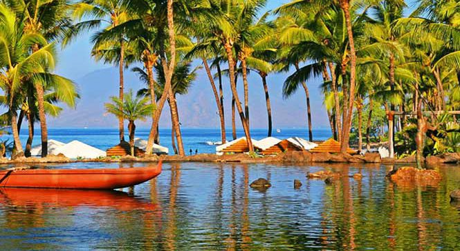 Grand Wailea resort poolside