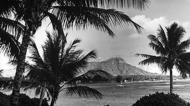 Old black and white of waikiki