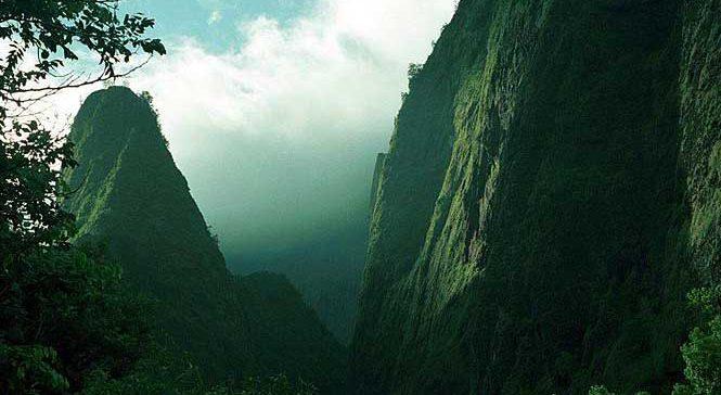 Iao Valley And Iao Needle