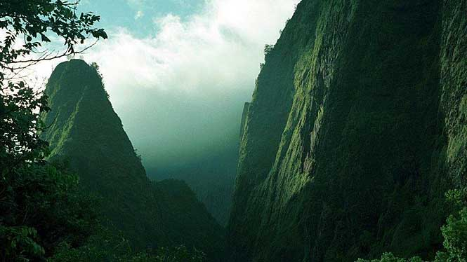 Iao Valley And Iao Needle