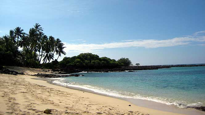Makalawena Beach There Are Plenty Of Shady Trees And Even A Freshwater Pool Near The Dunes That Is Great For Washing Off The Saltwater Bodyboarding And Surfing Are Also Popular At Makalawena