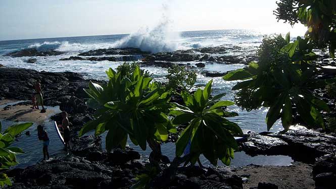 Wawaloli Beach
